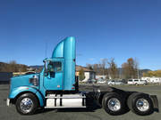2015 Freightliner Coronado 122SD Includes 400, 000 km warranty